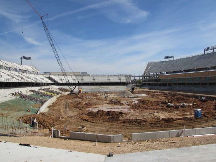 A view inside the stadium bowl from the stadium's west side. Photo: Joseph Duarte, Houston Chronicle