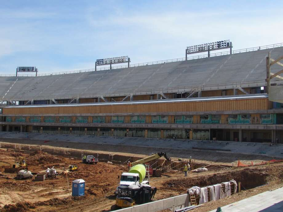 A view of the suite level and premium seating on the south side of the stadium. Photo: Joseph Duarte, Houston Chronicle