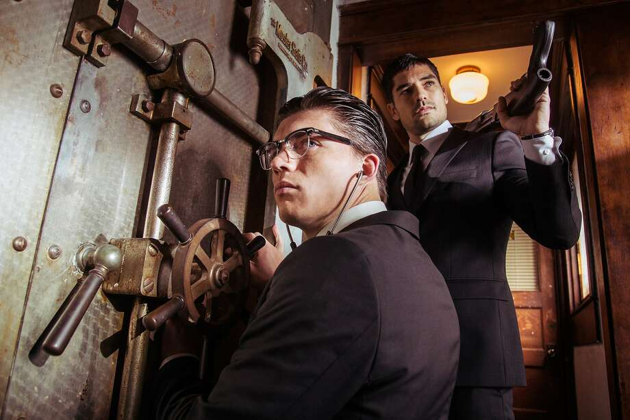 "D.J. Cotrona as Seth Gecko Zane Holtz as Richie Gecko From the El Rey Network Original ""From Dusk Till Dawn: The Series"" Photo: Robert Rodriguez, El Rey"