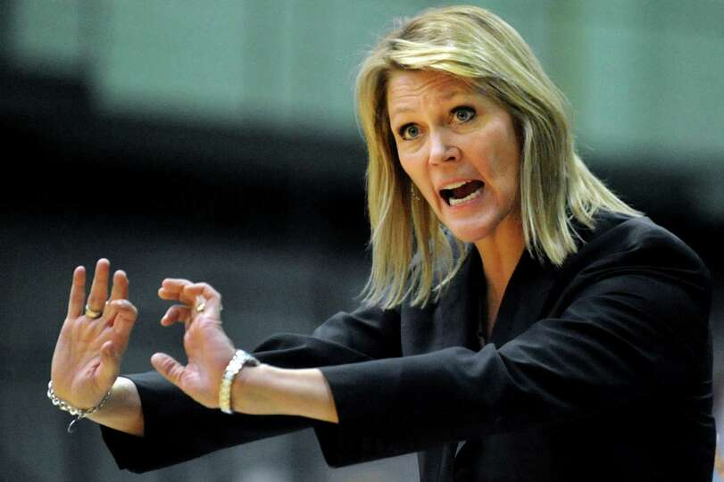 UAlbany's coach Katie Abrahamson-Henderson clarifies whether a shove took place during their first-r