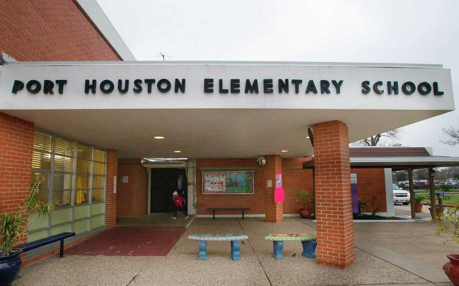 Port Houston Elementary School, once slated for closure by the Houston Independent School District, is off the list. Photo: Cody Duty, Staff / © 2013 Houston Chronicle