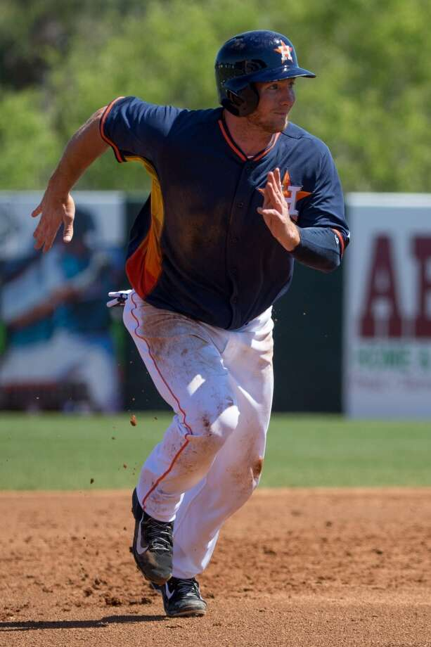 Robbie Grossman runs to third base. Photo: Rob Foldy, Getty Images