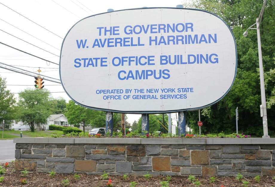 Sign at Western Ave. for the Harriman State Office Campus on Thursday, May 23, 2013 in Albany, N.Y. Gov. Andrew Cuomo has an initiative to offer businesses that local on SUNY campuses a wide range of tax breaks. (Lori Van Buren / Times Union) Photo: Lori Van Buren / 00022560A