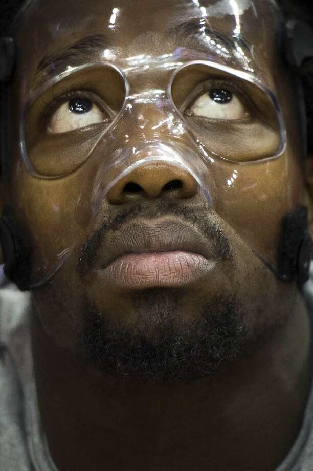 Rockets point guard Patrick Beverley wears a protective mask before facing the Trail Blazers. Photo: Smiley N. Pool, Houston Chronicle