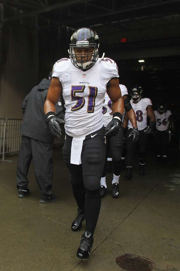 Daryl Smith  Position: LB  Status: Re-signed with Baltimore Ravens Photo: John Grieshop, Getty Images