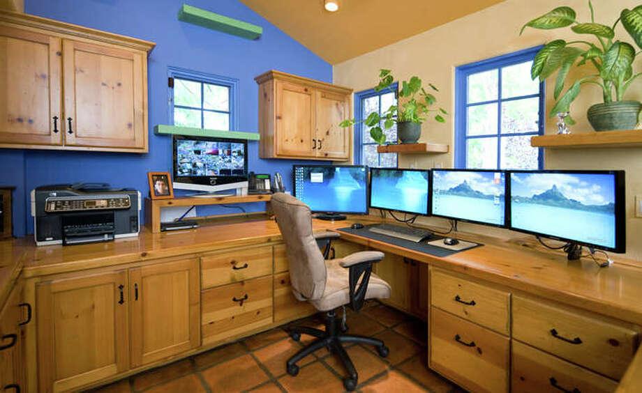 Simple ledges adorn the office wall. Photo: Lepere Studio, © Trillium Enterprises