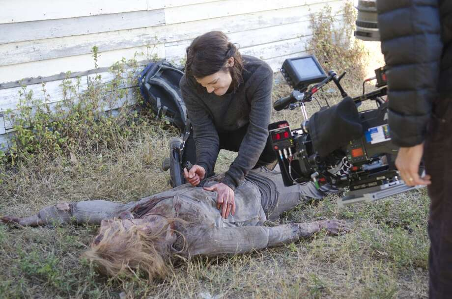 Lauren Cohan and Walker - The Walking Dead _ Season 4, Episode 13 _ BTS - Photo Credit: Gene Page/AMC Photo: Gene Page/AMC