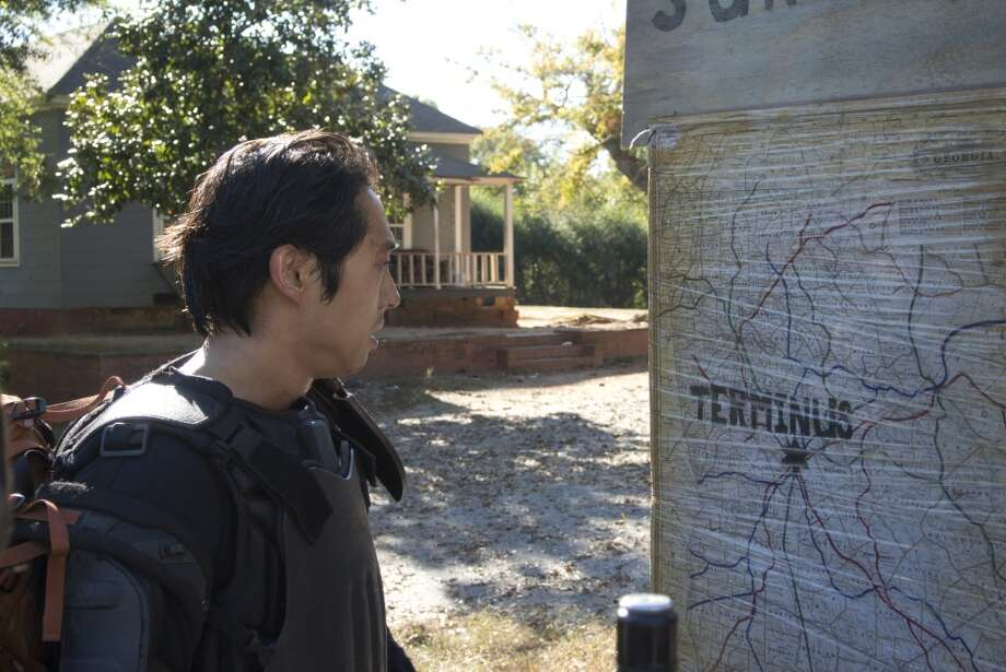 Glenn (Steven Yeun) - The Walking Dead _ Season 4, Episode 13 - Photo Credit: Gene Page/AMC Photo: Gene Page/AMC