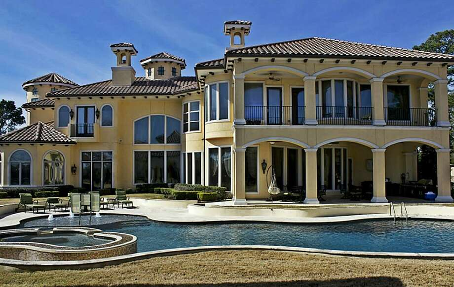 2 Rivercrest: This 2007 mega home has 7 bedrooms, 7 full and 2 half bathrooms, 9,286 square feet, and is listed for $8,000,000. Photo: Houston Association Of Realtors