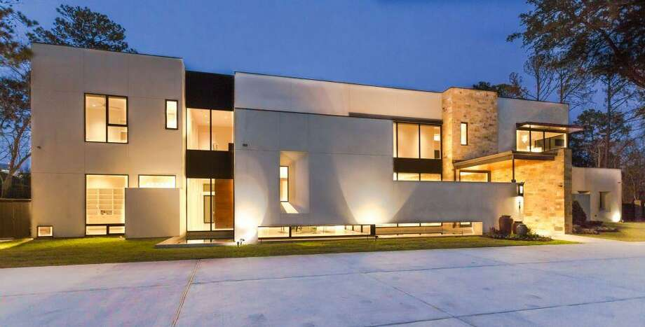 821 Bunker Hill: This 2012 contemporary property has 5 bedrooms, 5 full and 2 half bathrooms, 7,980 square feet, and is listed for $4,199,000. Photo: Houston Association Of Realtors