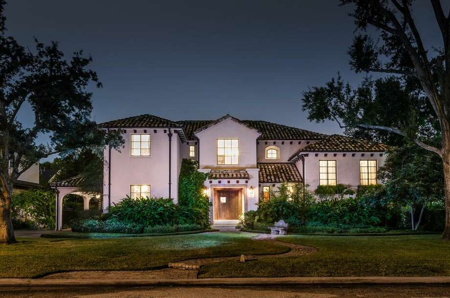 5518 Tilbury: This 2003 Spanish colonial-style house has 4 bedrooms, 4 full and 2 half bathrooms, 7,460 square feet, and is listed for $3,850,000. Photo: Houston Association Of Realtors