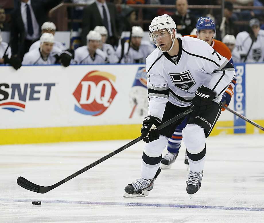 Mar 9, 2014; Edmonton, Alberta, CAN; Los Angeles Kings forward Jeff Carter (77) carries the puck unp ice against the Edmonton Oilers during the third period at Rexall Place. Mandatory Credit: Perry Nelson-USA TODAY Sports Photo: Perry Nelson, Reuters