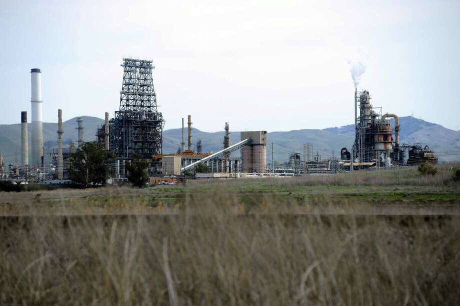 The Tesoro refinery near Martinez. Photo: Michael Short / Michael Short / Special To The Chronicle / ONLINE_YES