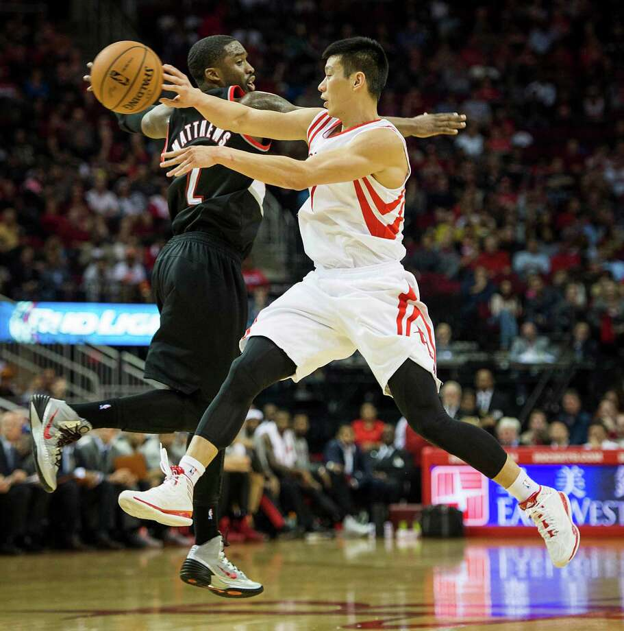 Jeremy Lin played 34 minutes off the bench Sunday. Photo: Smiley N. Pool, Staff / © 2014  Houston Chronicle