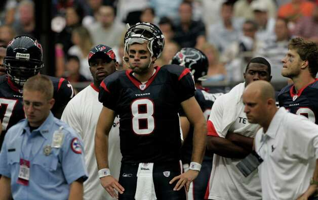 Texans quarterback Matt Schaub looks on as medical staff attend to Houston Texans defensive tackle Cedric Killings after he was injured during the second quarter of an NFL football game against the Indianapolis Colts at Reliant Stadium Sunday, Sept. 23, 2007, in Houston. Photo: Brett Coomer, Houston Chronicle / Houston Chronicle