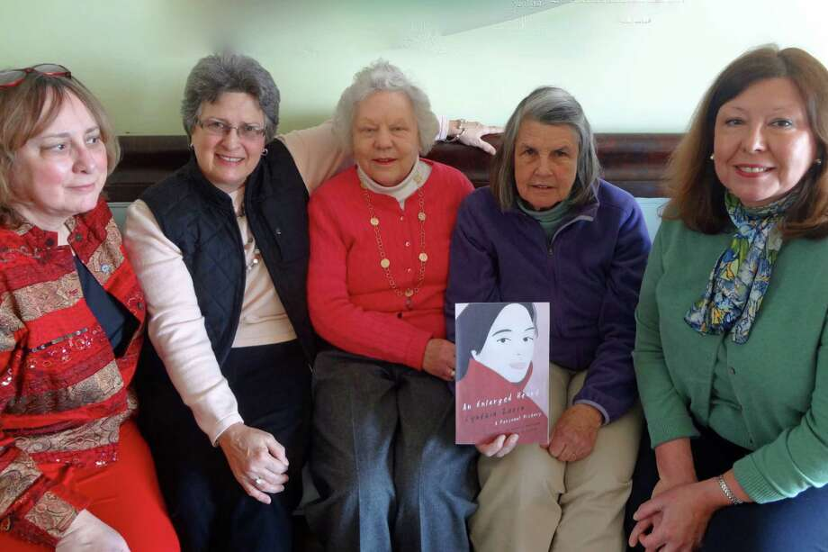 AAUW Book and Author Luncheon committee members prepare for the annual Book and Author Luncheon on April 24. From left, Branch President Cynde Bloom Lahey, Dorcas Hills, Dorie Pease, Sue Scannell and Luncheon Chairman Vicki LeBris. Photo: Contributed Photo, Contributed / New Canaan News Contributed