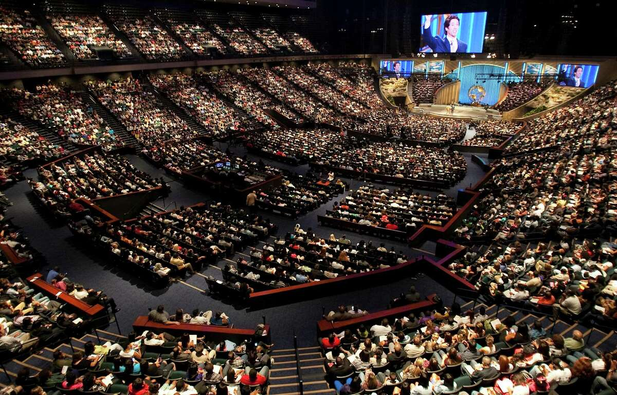 Lakewood Church seats 16,800 people at its central campus, which previously was the Compaq Center, a basketball stadium. Pastor Joel Osteen has an international following through television broadcasts and his web site. File photo. ( Nick de la Torre / Houston Chronicle )