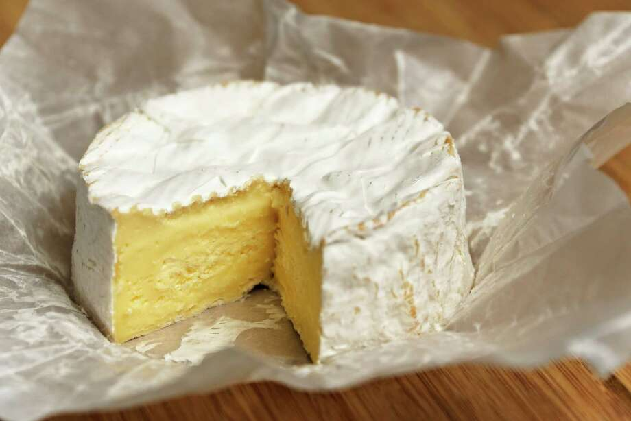 Bacterial proteolysisBacterial proteolysis causes the skin to smell like over-ripe Camembert cheese. / dutourdumonde - Fotolia