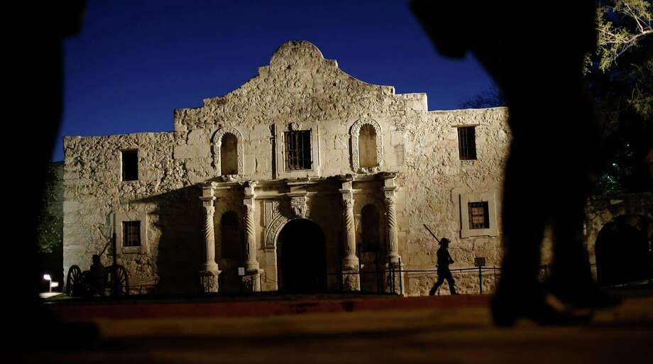Another battle looms at the Alamo: One between history purists and those who want a  mix of history                    and entertainment. Photo: Eric Gay, Associated Press / AP