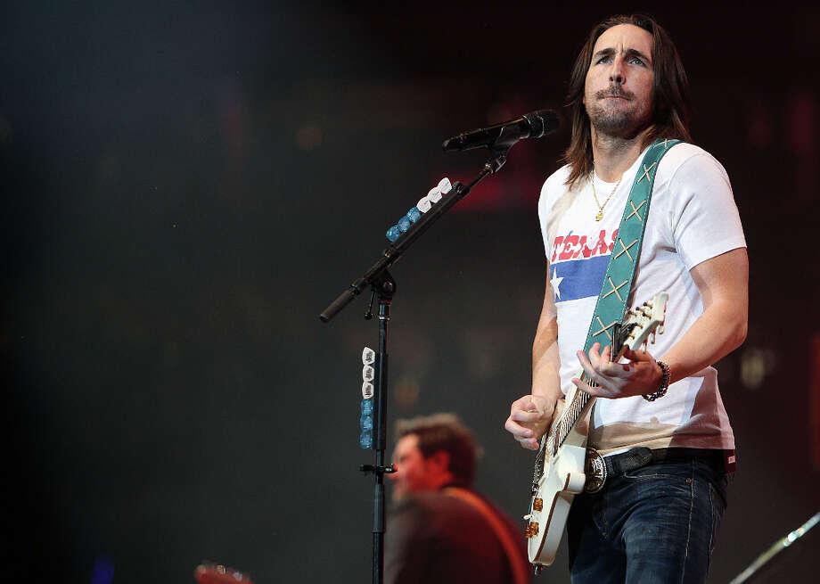 Jake Owen performs at RodeoHouston on March 13. Photo: Mayra Beltran, Houston Chronicle / © 2013 Houston Chronicle