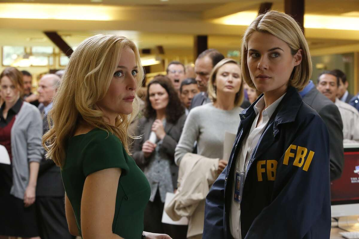 CRISIS -- Pilot -- Pictured: (l-r) Gillian Anderson as Meg Fitch, Rachael Taylor as Agent Susie Dunn