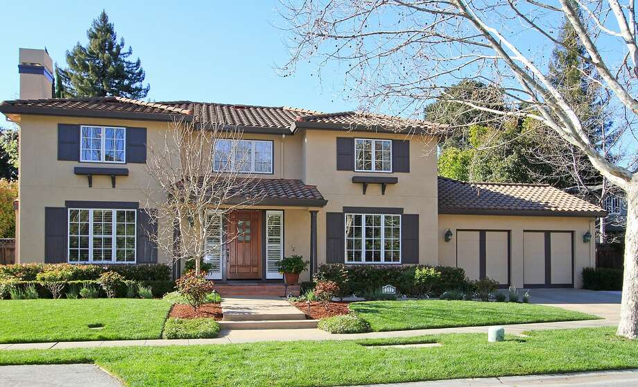 The Menlo Park home is available for $3.498 million. Photo: Matthew Anell/Blu Skye Media