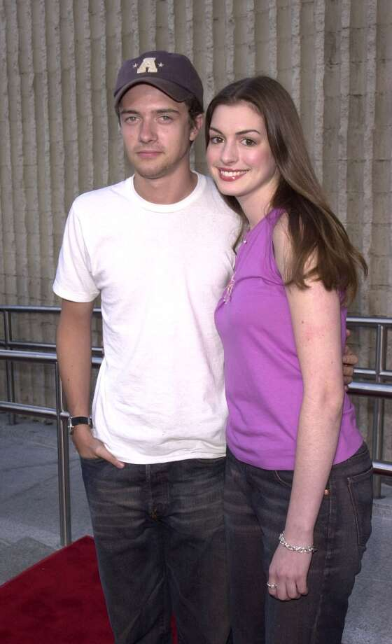 Topher Grace and Anne Hathaway made quite the adorable couple when they dated from 1999-2001. And they're still friends. Photo: J. P. Aussenard, WireImage