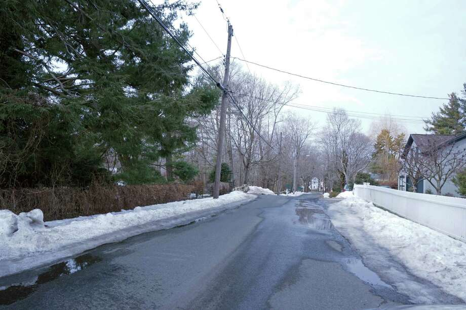 A Station Street resident has petitioned the Town Plan and Zoning Commission to have Chester Place, in the town's Southport section, designated as a scenic road. Photo: Genevieve Reilly / Fairfield Citizen
