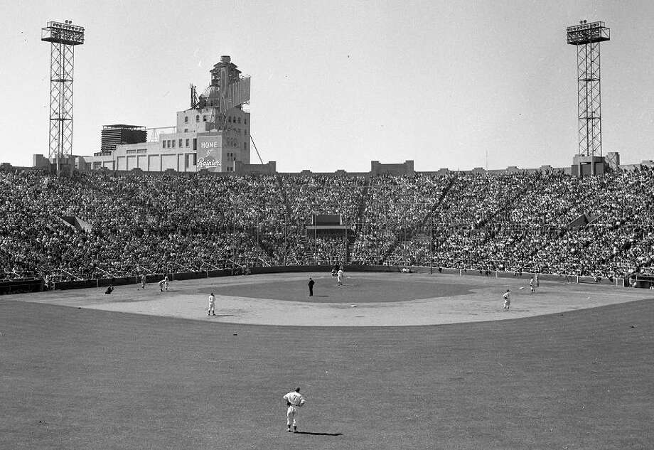 April 15, 1945: Note the Ranier Brewery in the background, which would become Hamm's in the 1950s. Seals Stadium was across the street from three breweries. Photo: Chronicle File