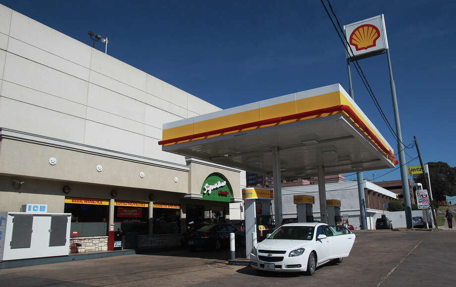 This is the Shell station in downtown Austin at I-35 and 9th where an incident began that resulted in two deaths and more than 20 people being injured after a man in a car attempted to evade police at about 12:30 a.m. The driver of the vehicle sped down a barricaded portion Red River street where the South by Southwest Music Festival was taking place and hit more than 20 people in his car. A cyclist from the Netherlands was killed and a female riding on a moped was killed. The suspect, a black adult male, was tazed and apprehended and will face capital murder charges. Photo: JOHN DAVENPORT, SAN ANTONIO EXPRESS-NEWS / ©San Antonio Express-News/Photo may be sold to the public