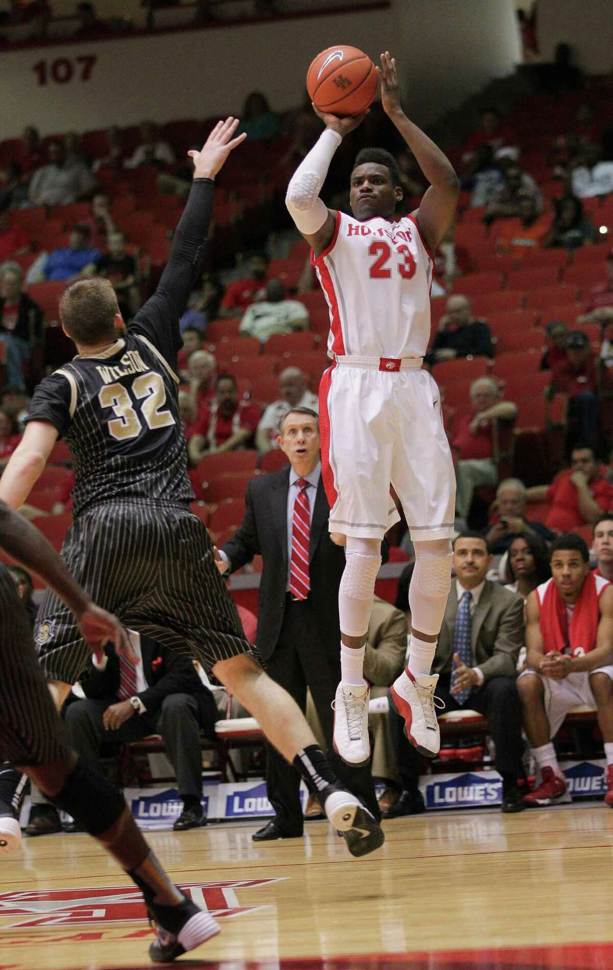 Danuel House averaged nearly 13 points per game during his two seasons at UH.