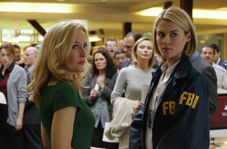 When a busload of kids is abducted, one of the parents (Gillian Anderson) seeks the counsel of her estranged sister, an FBI agent (Rachael Taylor). Photo: NBC / 2013 NBCUniversal Media, LLC