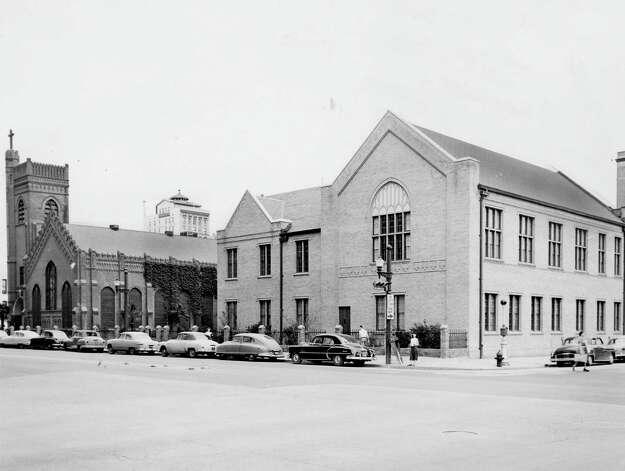 Christ Church Cathedral, April 1953. Photo: Houston Chronicle / Houston Chronicle