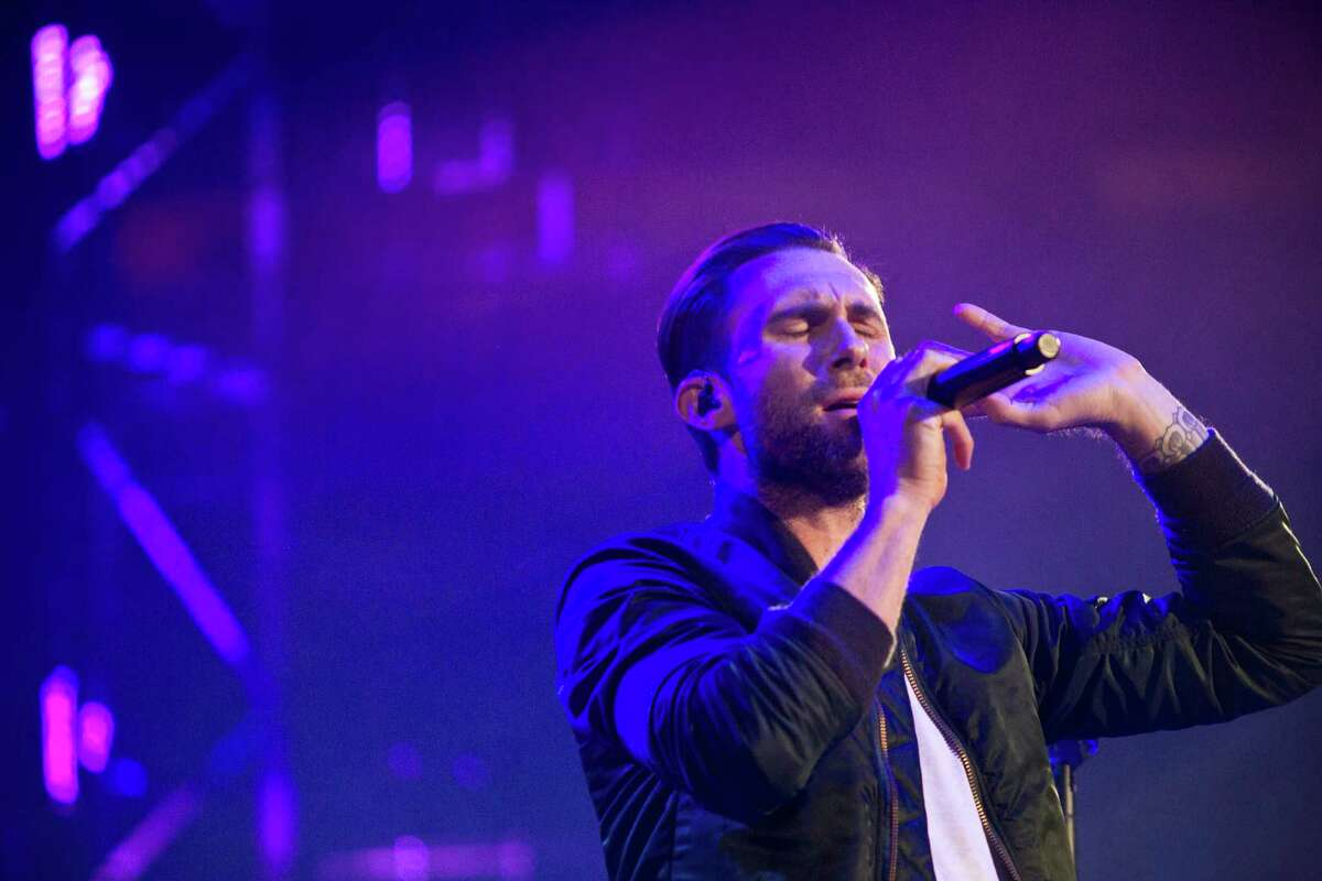 Adam Levine and Maroon 5 drew more than 75,000 fans to Reliant Stadium on Thursday night.
