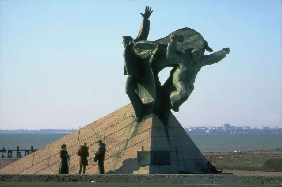 Monument to the Fallen Sailor, created after WWII at the Black Sea between cities Saki and Yevpatoriya. (Thomas Palmer, January 2004)