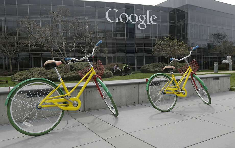 Mountain View's Google is fighting in a San Jose court against a lawsuit claiming that its interception of e-mails amounts to illegal wiretapping. Photo: Jeff Chiu, Associated Press