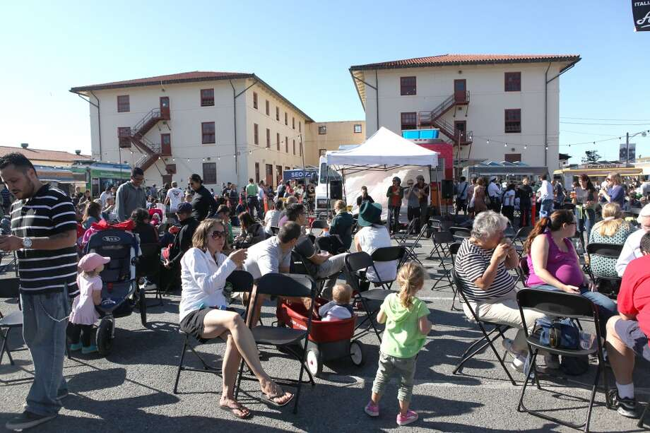 Off The Grid at Fort Mason in San Francisco takes place on Fridays from 5pm-11pm. Photo: Liz Hafalia, The Chronicle