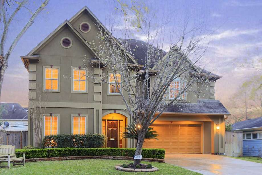 4611 Birch: This 1998 home has 4-5 bedrooms, 5 bathrooms, and 4,989 square feet. Listed for $1,198,000. Open house: 3/16/2014, 2 p.m. to 4 p.m. Photo: Houston Association Of Realtors