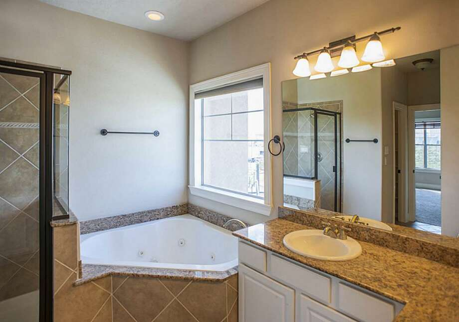1207 Genesee: This 2007 home has 3 bedrooms, 3.5 bathrooms, and 2,031 square feet. Listed for $$385,000. Open house: 3/16/2014, 12 p.m. to 2 p.m. Photo: Houston Association Of Realtors