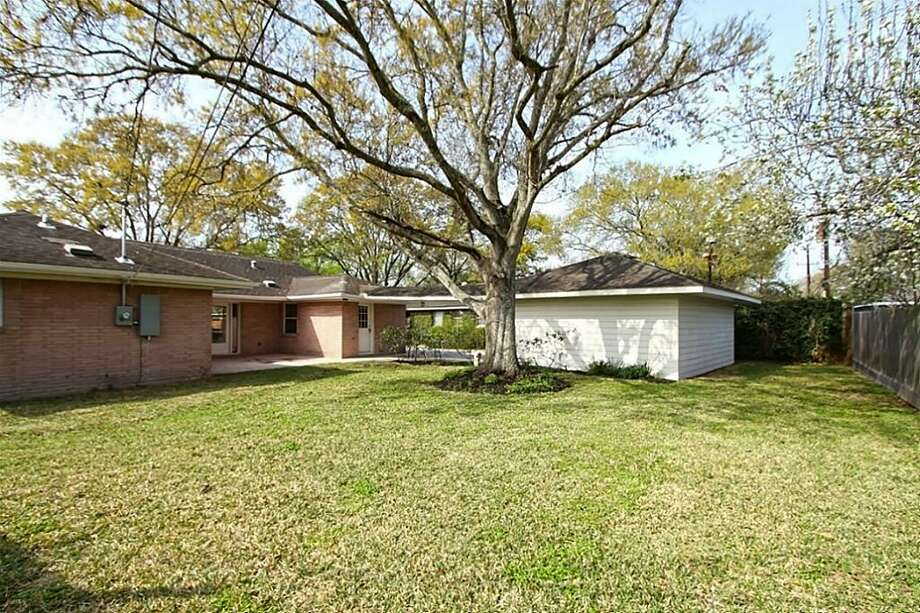 5114 Redstart: This 1950 home has 3 bedrooms, 2 bathrooms, and 1,867 square feet. Listed for $$364,900. Open house: 3/16/2014, 12 p.m. to 3 p.m. Photo: Houston Association Of Realtors