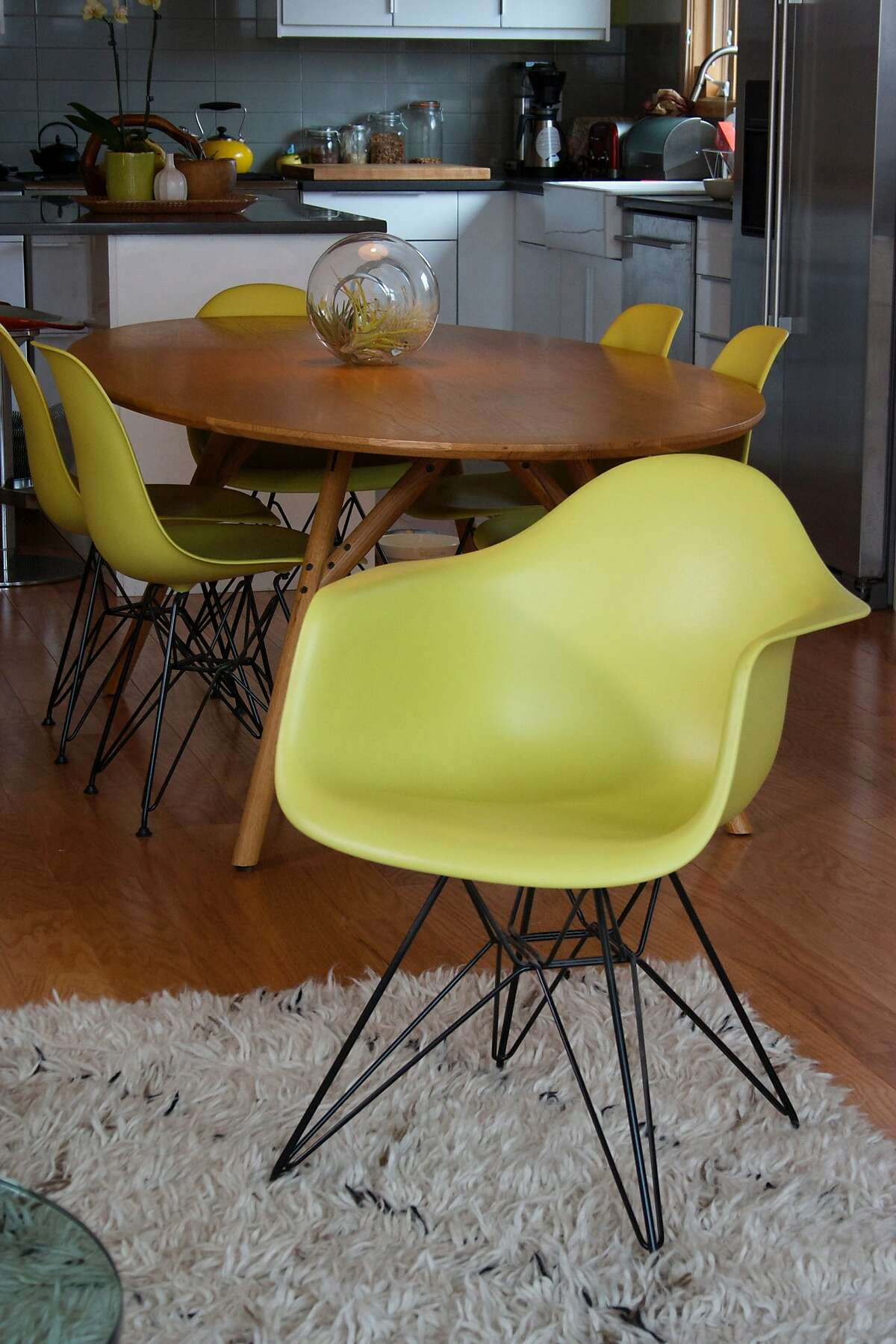 Jill McCoy fave: Midcentury pieces.
