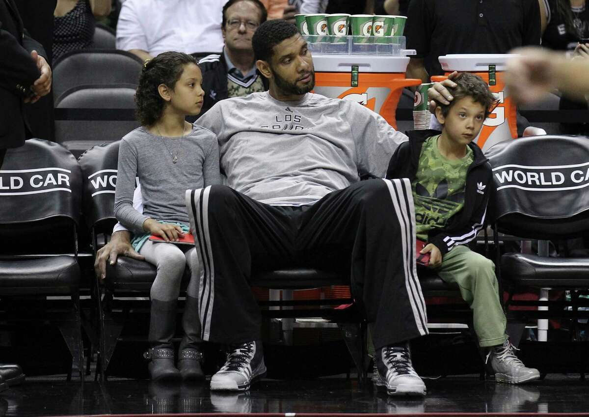 2.Tim Duncan was moved up a grade when he was 8 years old, making him younger than his classmates throughout his year of education.
