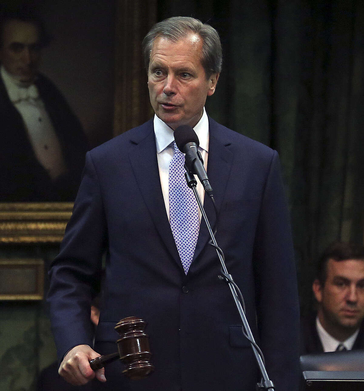 """Lt. Gov. David Dewhurst says Patrick """"showboats"""" and isn't able to work with others."""