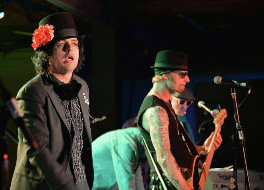 AUSTIN, TX - MARCH 14:  Billie Joe Armstrong (L) and Mike Dirnt of Foxboro Hot Tubs performs at Yahoo's Brazos Hall during 2014 SXSW Music, Film + Interactive Festival on March 14, 2014 in Austin, Texas. Photo: Michael Buckner, Getty Images For SXSW / 2014 Getty Images
