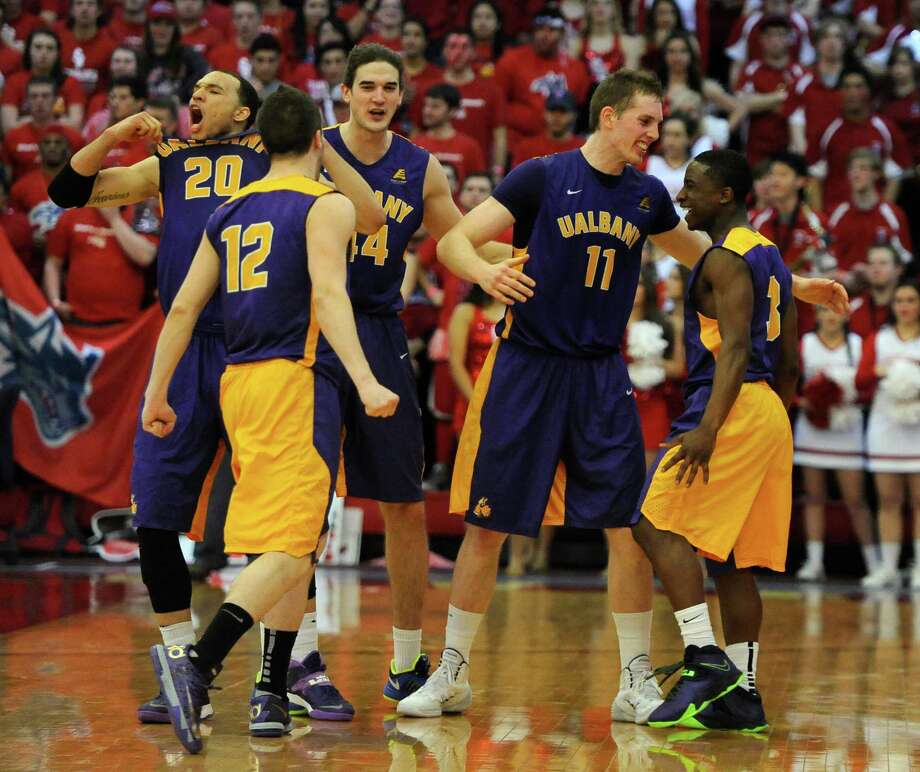 Albany - America East winner Photo: Kathy Kmonicek, Associated Press / FR170189 AP