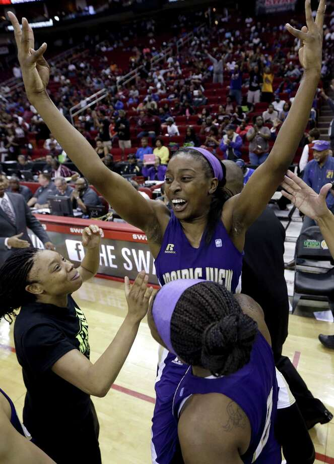 LaReahn Washington celebrates after Prairie View A&M capped a turnaround from losing its first 11 games to winning the SWAC title. Photo: David J. Phillip / Associated Press / AP