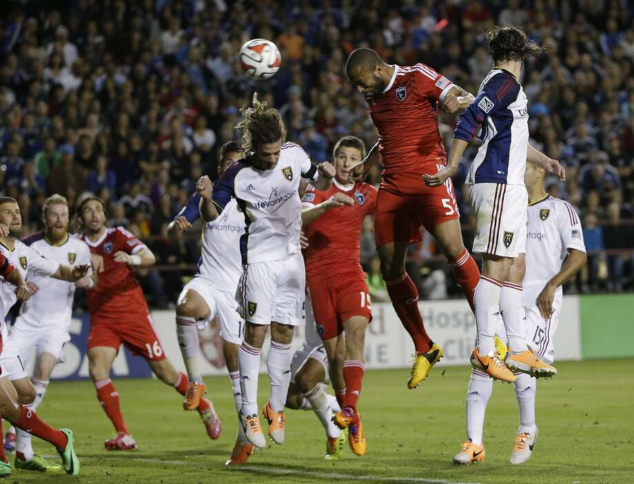 Victor Bernardez (5 in red) of the Earthquakes scores the first of his two second-half goals on a header in the 75th minute. Photo: Marcio Jose Sanchez, Associated Press