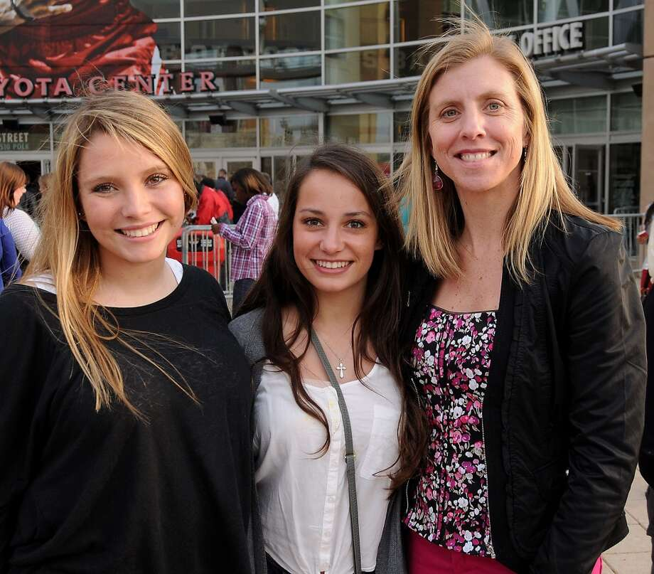 Fans outside the Miley Cyrus show at the Toyota Center Sunday March 16, 2014.(Dave Rossman/For the Chronicle)