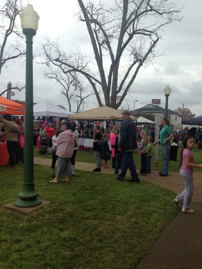 Before the rain people were enjoying the Azalea Fextival Saturday March 15th.