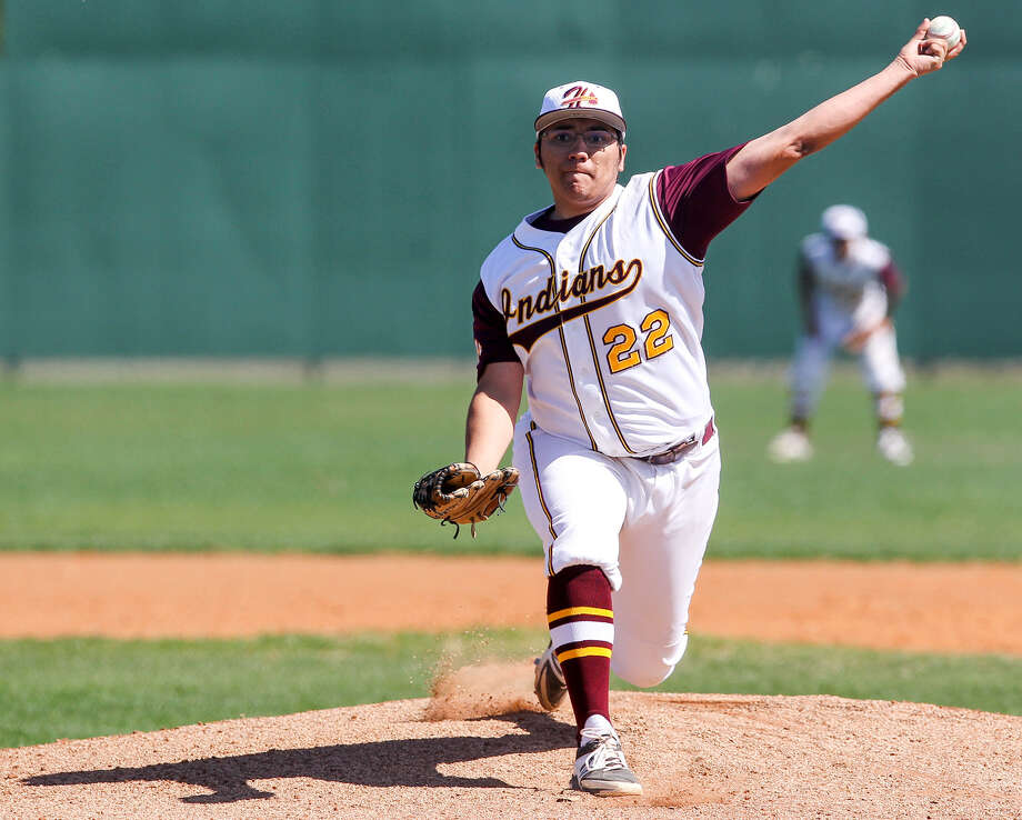 Harlandale's Zachary Perez throws to the plate during the first inning of their game with Kennedy at the Tejeda Sports Complex on March 13. Perez picked up the win as the Indians beat the Rockets, 5-0, in district play. Photo: Marvin Pfeiffer / Southside Reporter / EN Communities 2014